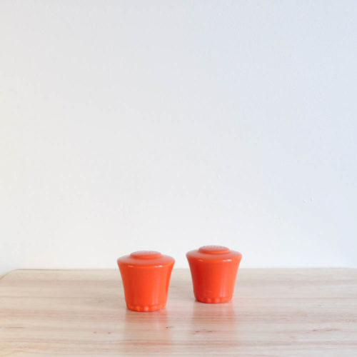 Vernon Kilns Coronado Shakers Orange