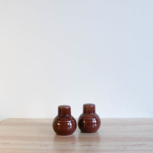 Vernon Kilns Early California Shakers Brown
