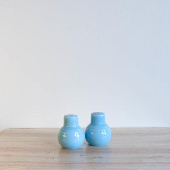Vernon Kilns Early California Shakers Turquoise