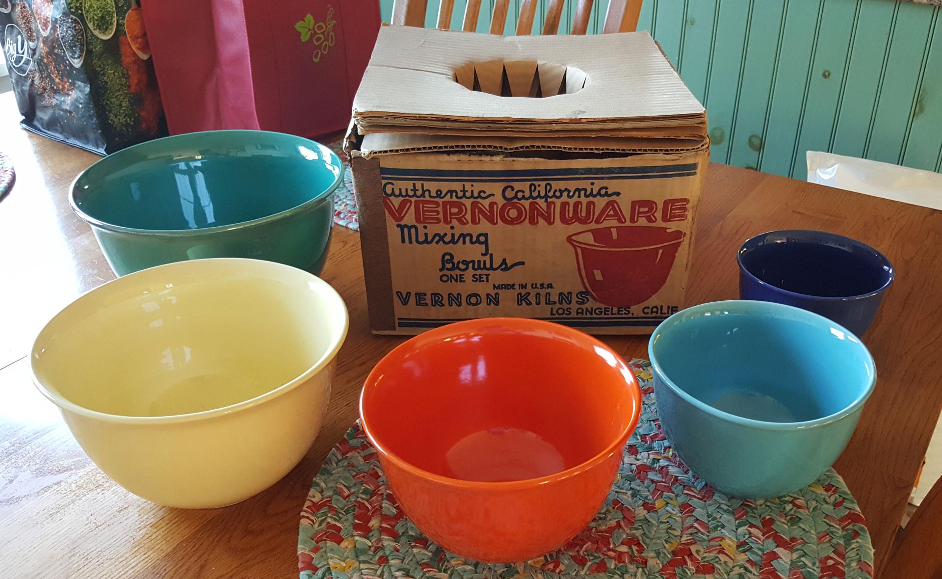 QwkDog Vernon Kilns Early California Mixing Bowl Set